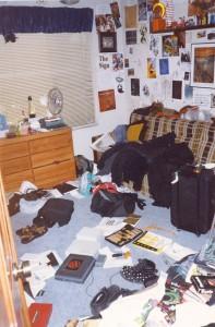 be3n boyhood bedroom packing for Defcon